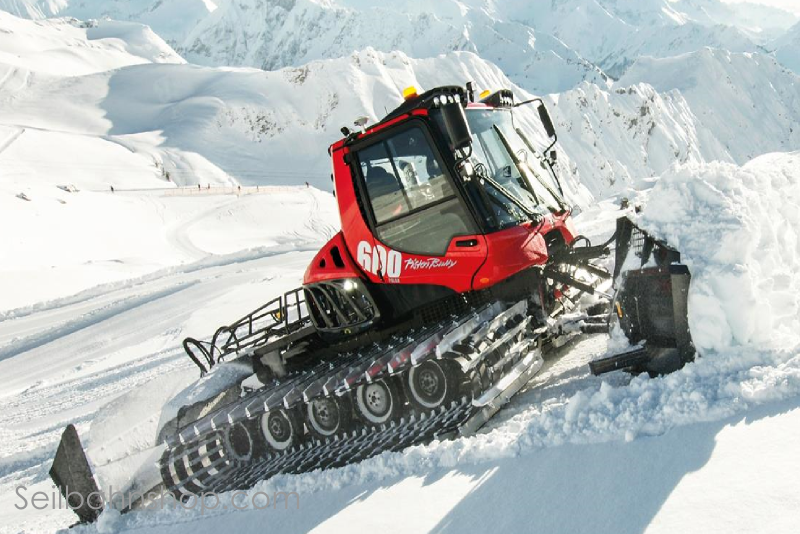 JC 4800 Snowgroomer 600 Lecel Red Scale 1:43